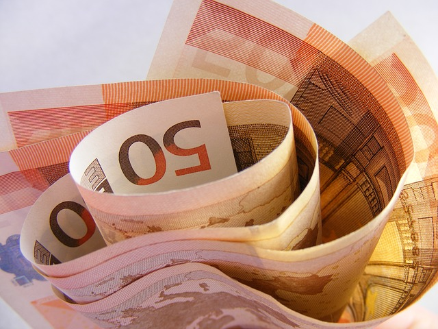 Ofer bani imprumut cu contract notarial