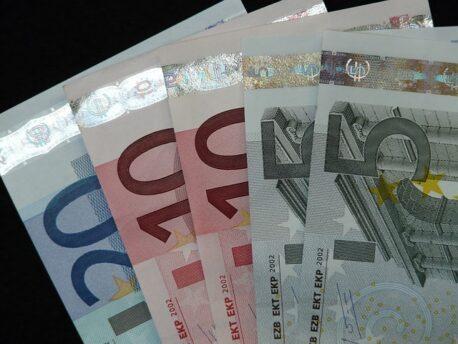 Ofer bani imprumut rapid