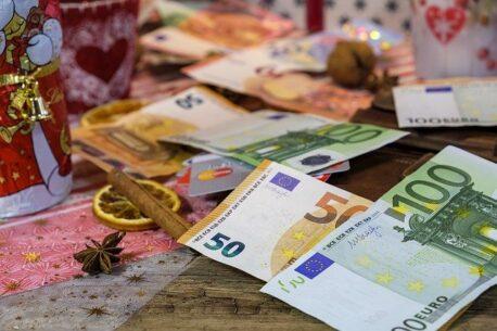 Bani la procente prin notar