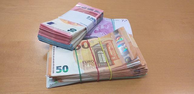 Ofer bani imprumut